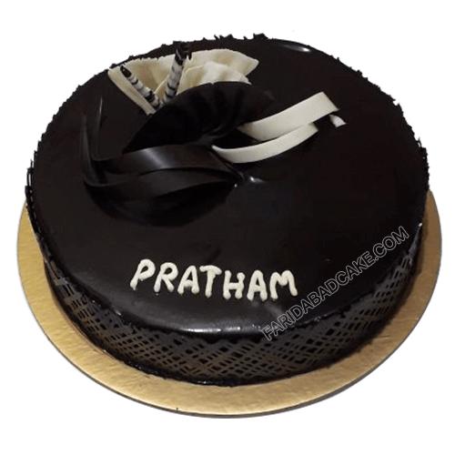 Delicious Dark Chocolate Cake